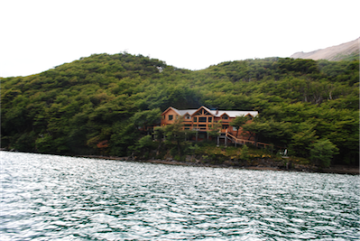 05 The aguas arriba lodge is nestled in the forest