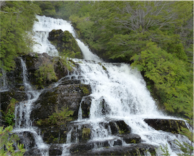 Patagonia_002_Waterfall at Patagonia Camp