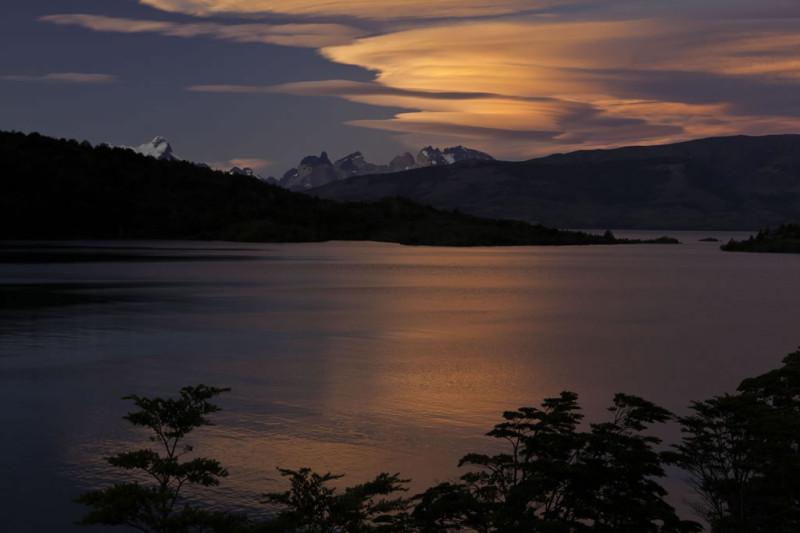 Sunset-over-Toro-lake1-800x533