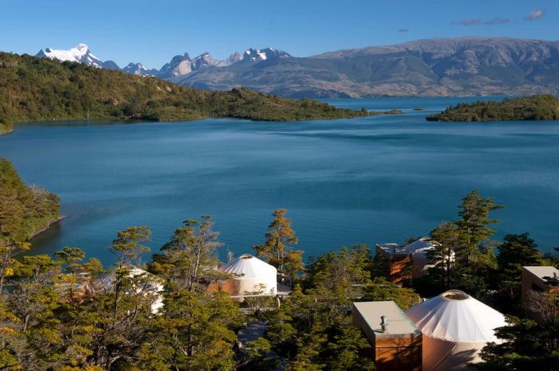 The-Camp-Toro-lake-and-Paine-massif1-800x532